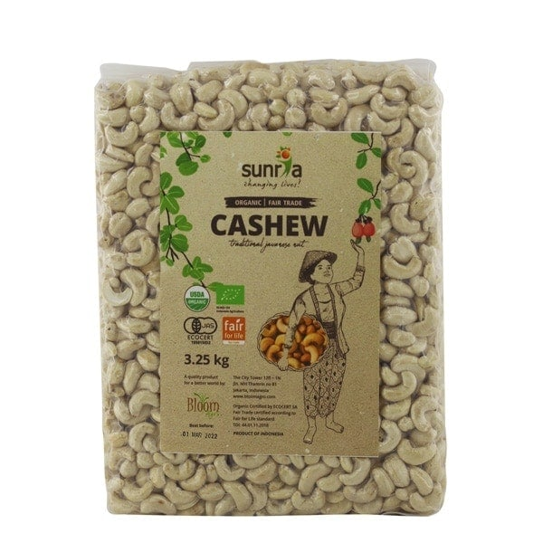 Sunria Organic Cashew Nuts, 3.25kg